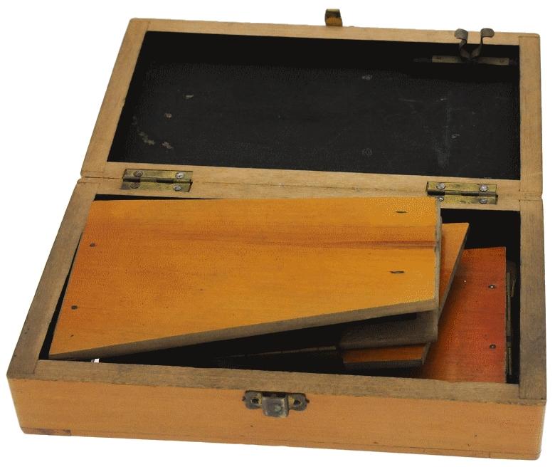 Inconnue - Visionneuse stéréo 8 x 17 pliante en bois pliée