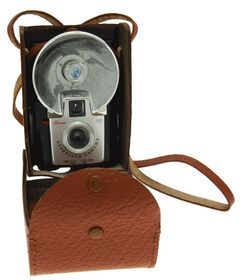 Kodak - Brownie Starflash Camera miniature